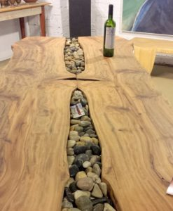 Lawrence-Feir-Dining-table-with-river-rocks